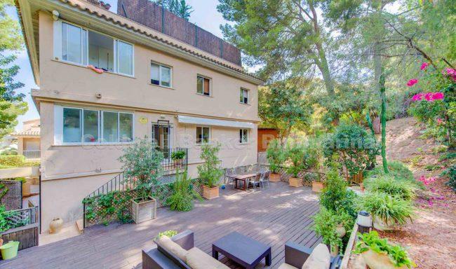 Apartment mit großem Garten und Pool in Cas Català