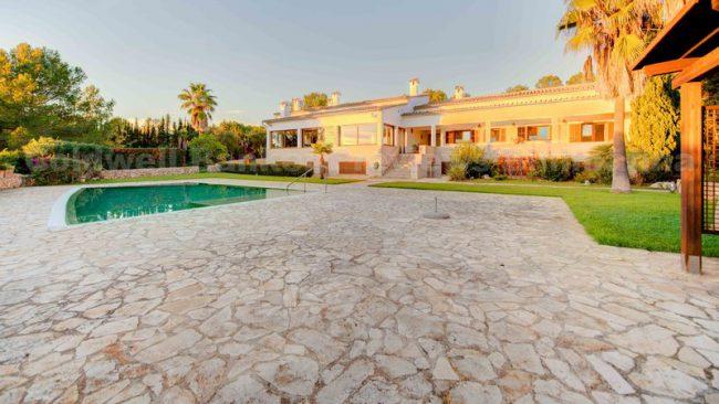 Villa mit Blick auf das Meer in Puntiró