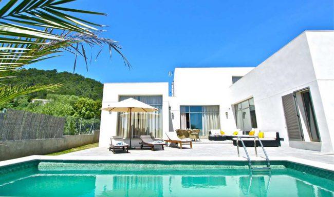 Moderne Villa nur 10 min vom Meer entfernt