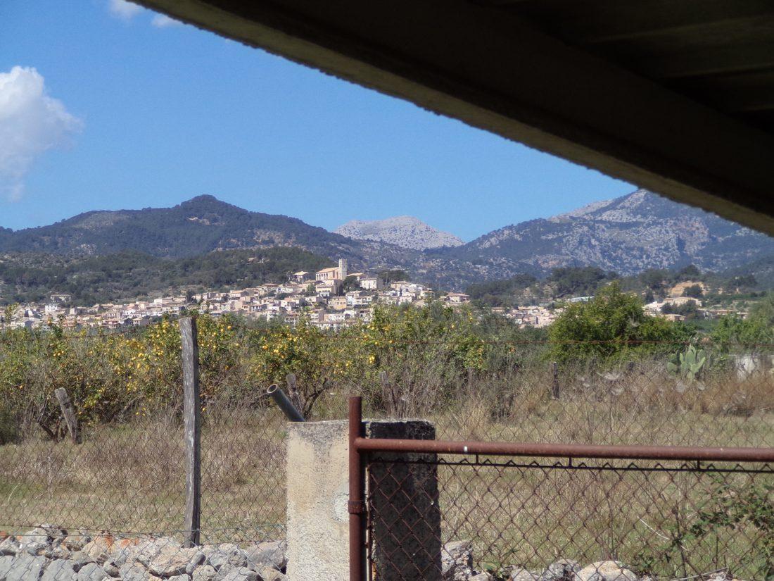 Großes Grundstück mit Ruine zur Renovierung oder Neubauprojekt in Selva